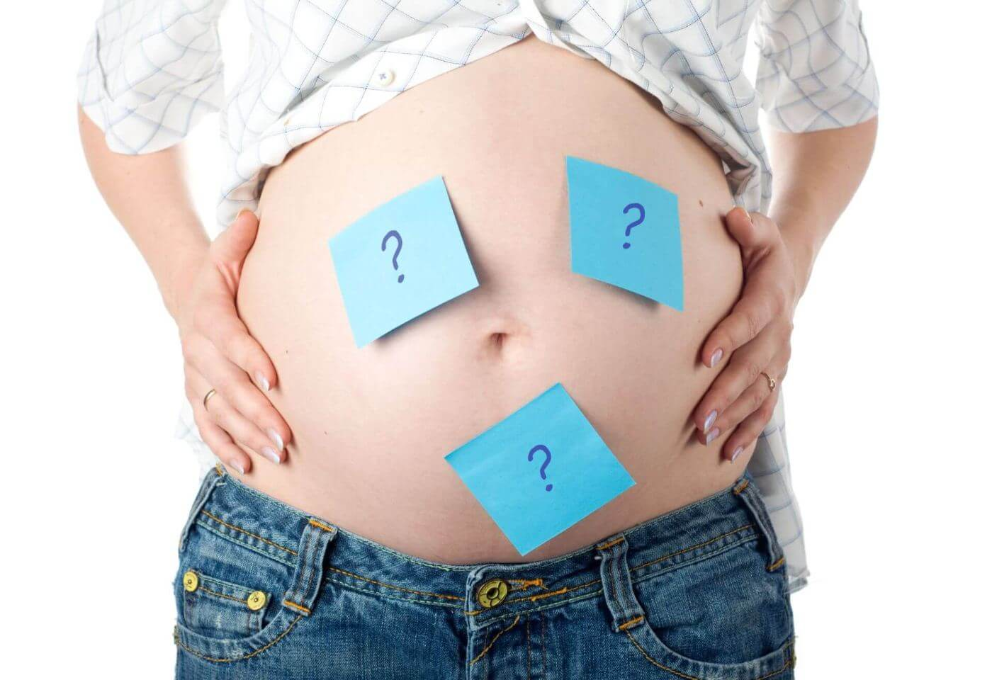 Mujer embarazada con dudas sobre el sexo de su bebé.